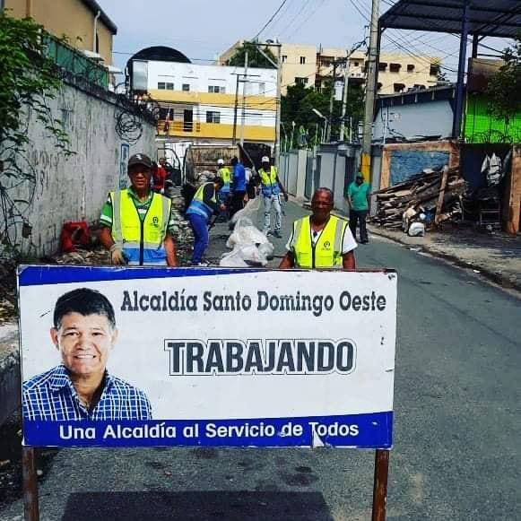 Hoy comenzamos los trabajos de reconstrucción en la avenida Los Beisbolistas donde se está haciendo el tramo frente a Tavares Industrial.