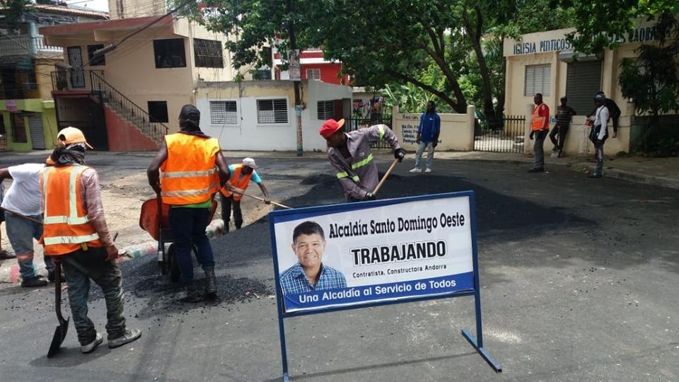 Nuestro Alcalde Francisco Peña, Asfaltando las calles del sector las caobas